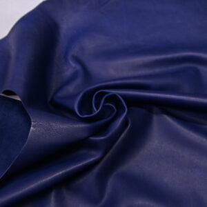 Кожа теленка краст, синяя, 56 дм2.-110700