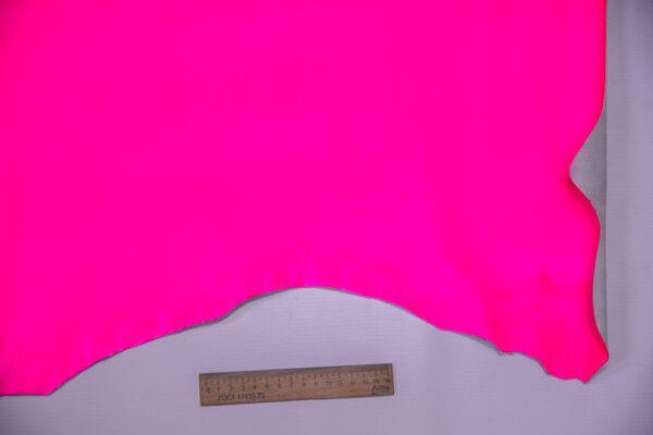 Кожа теленка, розовый неон, 60 дм2.-110666
