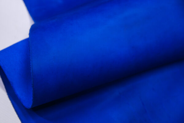 Кожа КРС крейзи хорс (Crazy Horse) с эффектом пул ап (Pull Up), ярко-синяя, 91 дм2.-D1-753